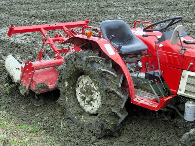 乗用耕運機の写真