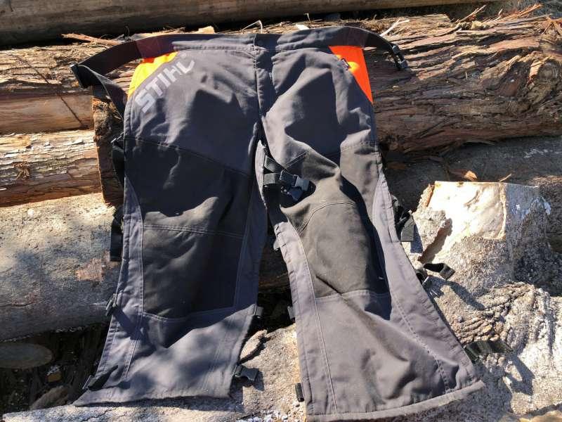 チェンソー防護ズボンの写真
