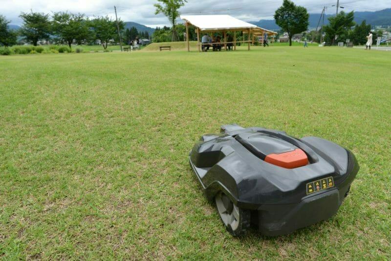 ハスクバーナのロボット芝刈り機