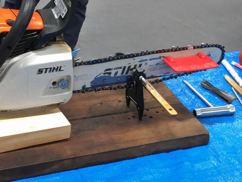 【画像】クランプ、目立て台、アングルプレートを利用する基本的な目立ての方法